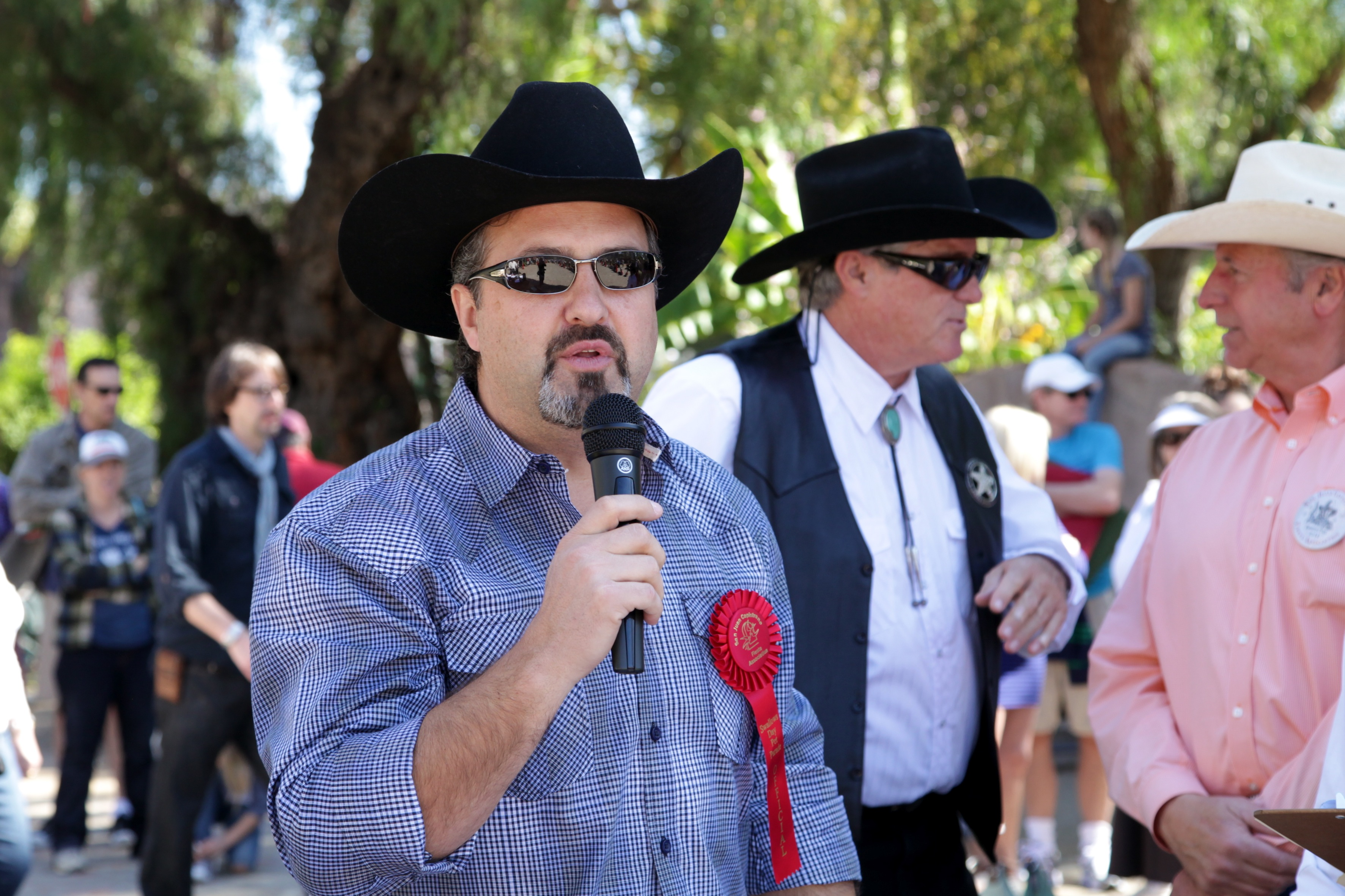 John Gillotti, owner of Mission Grill in San Juan Capistrano, served as a judge for the Kids Pet Parade for the second straight year. Photo by Brian Park