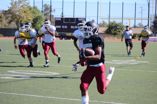 JSerra's Isaiah Diego-Williams returns a kick during practice. Photo: Steve Breazeale