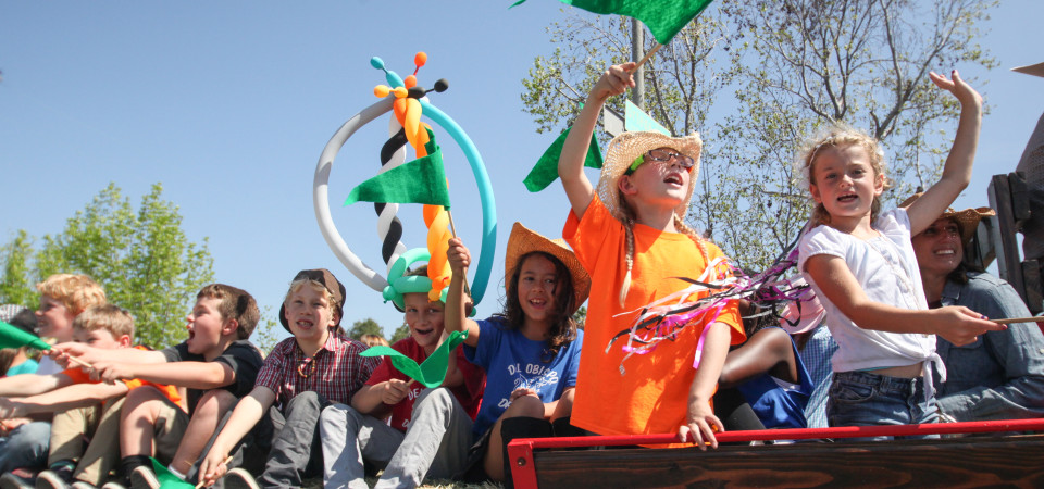 Del Obispo Elementary students pump up the crowd during the 57th annual Swallows Day Parade. Photo: Allison Jarrell