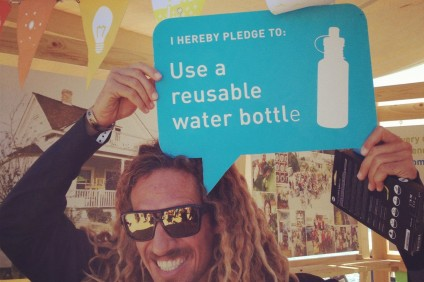 Pro surfer Rob Machado makes the pledge to utilize reusable water bottles. Photo: Courtesy of The Ecology Center
