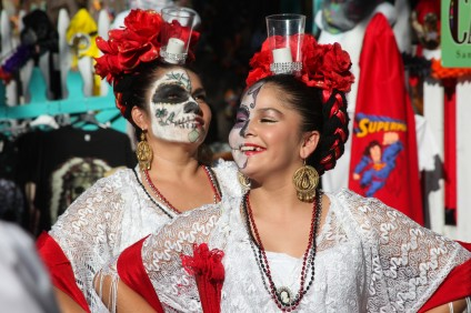 Ballet Folklorico Corazones Alegres of Dana Point performed on Los Rios Street Sunday afternoon in celebration of Dia de los Muertos. Photo: Allison Jarrell