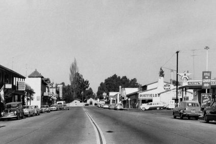 Much like today, Camino Capistrano was lined with businesses leading up to Mission San Juan Capistrano in 1959. Photo: Courtesy of Orange County Archives