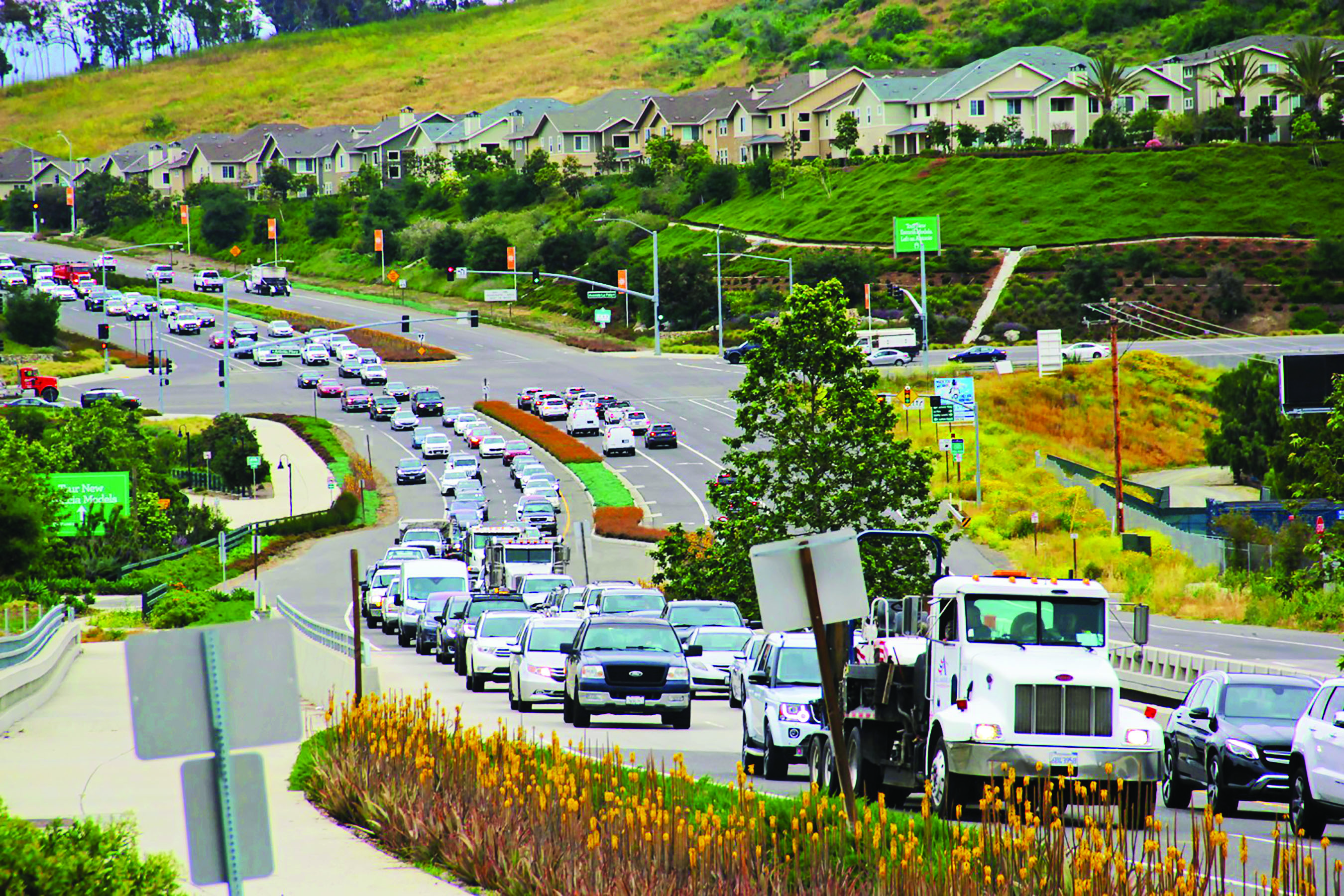 """Traffic begins to back up as vehicles approach the Ortega Highway """"chokepoint"""" during the morning commute on Wednesday, May 8. Photo: Shawn Raymundo"""